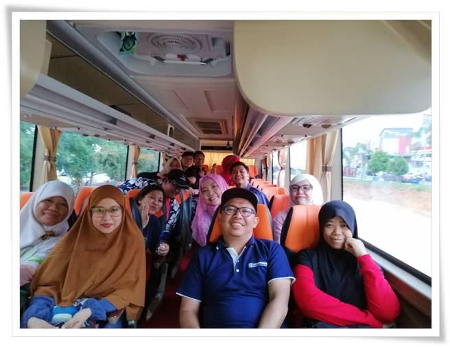 Bus Menuju Nuvasa bay