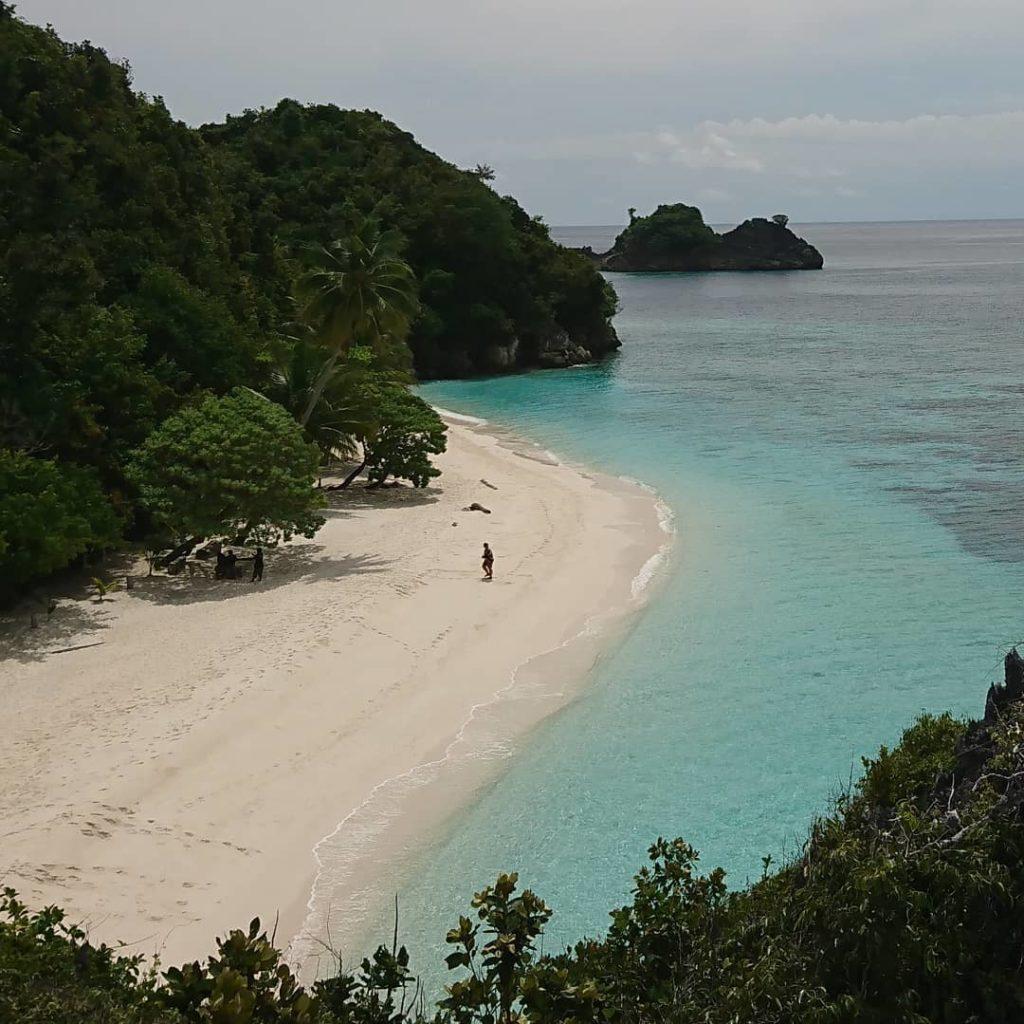 Pantai Kaleg Raja Ampat di papua